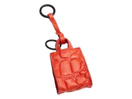 Schlüsselanhänger in Paper Bag-Form mit Krokoprägung - Paper Bag Keyring